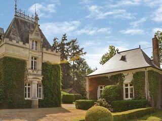 2 bedroom Villa in Chenillé-Changé, Pays de la Loire, France : ref 5522485