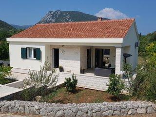 Ferienhaus 4542-1 für 1+3 Pers. in Ston / Mali Sto