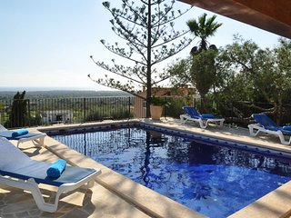 Es Puiget D'abaix, House for 4 people in S'Horta with pool, BBQ & Wifi