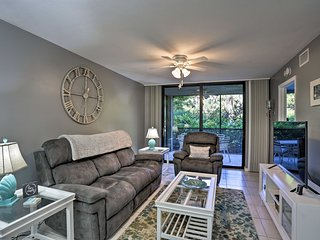 NEW-Updated Bonita Springs Condo w/Pool-Near Beach