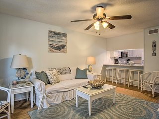 NEW! Gulf Shores Condo w/Pool - Steps from Beach!