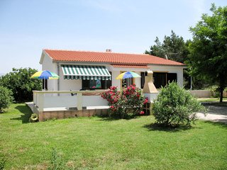 2 bedroom Villa in Vir, Zadarska Županija, Croatia : ref 5638349
