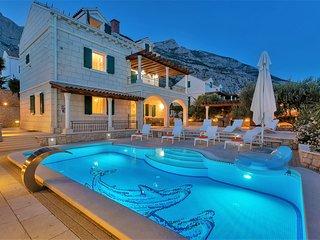 Villa Petra mit Pool, Makarska-Familienurlaub aus Träumen!! **Firstminute**