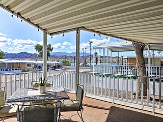 Quiet Escape Steps to Lake Havasu w/Views & Grill!