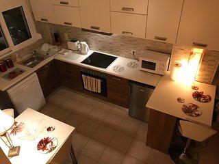 Kitchen/diner: oven & hob; microwave; kettle; toaster; dishwasher; fridge; utensils.
