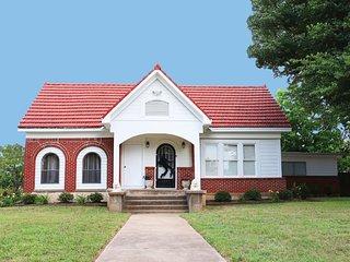The Elvis House