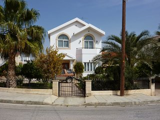FABULOUS FOUR BEDROOM KOLOSSI HOLIDAY VILLA!