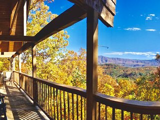 ⭐ASK ABOUT A FREE NIGHT⭐ FAMILY CABIN W/ HIKING & A VIEW