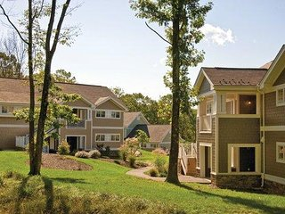 Shawnee on Delaware, PA: 2BR Resort Pool, Hike, Bike, Ski, Fish Near Attractions