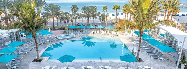 Piscina del Wyndham Clearwater Beach Resort