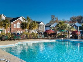 Villa near Golf w/ WiFi, Resort Pool, Hot Tub, Playground, Bikes, Grill & Pub