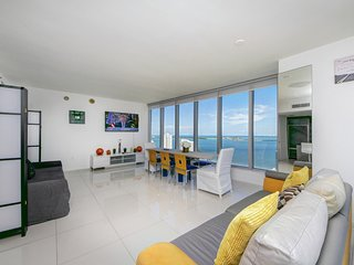 Corner Bay 2BR in Icon Brickell by FlashStay