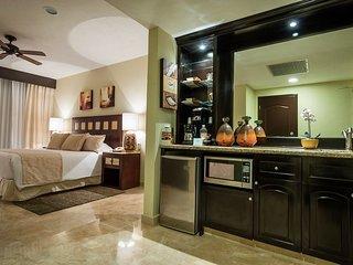 Ocean View Luxurious Condo in Cancun