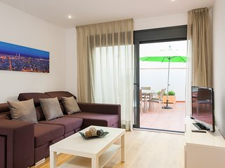 Unforgettable stay in Barca - 6 Bed with private outdoor terrace and balcony