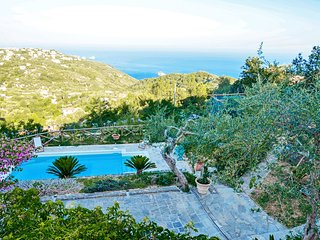 Villa dei Galli with Private Pool, Sea View, Garden, Parking and Air Conditionin
