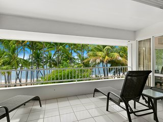 Absolute Beachfront Luxury With Ocean Views At Palm Cove (25)