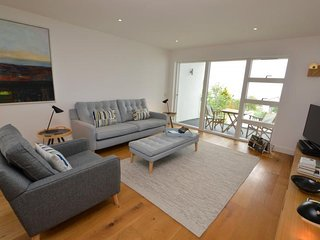 NEW! No.4 Salt - 2 bed luxury apartment with terrace, balcony, secure parking