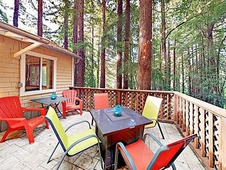 Large Deck Surrounded by Redwoods! 2BR w/ Private Hot Tub, Fire Pit & Grill