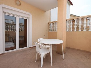 Podvrslje Apartment Sleeps 4 with Air Con and WiFi - 5465466