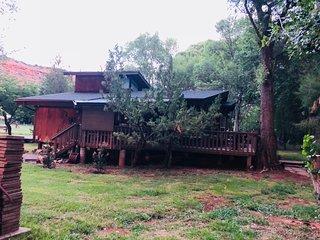 Cabin on Oak Creek Ranch right on the Sedona Wine Trail