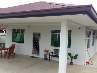 Tanjung Aru Private Bungalow Homestay. Xmas offer