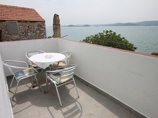 Cimera Apartment Sleeps 4 with Air Con and WiFi - 5465456