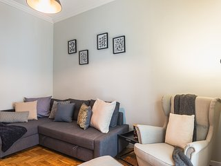 Comfy Koukaki Apartment