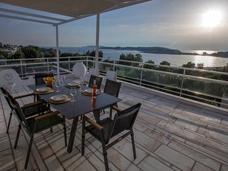 Sea View Maisonette in Vouliagmeni
