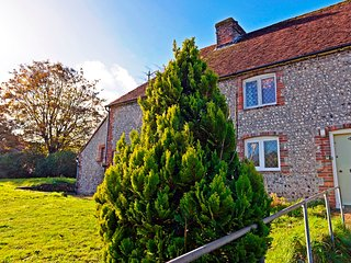 South Downs Cottage - picturesque Grade II listed cottage near Eastbourne