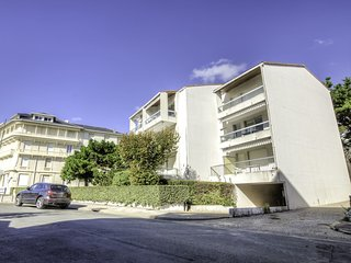 3 bedroom Apartment in Pontaillac, Nouvelle-Aquitaine, France : ref 5533012