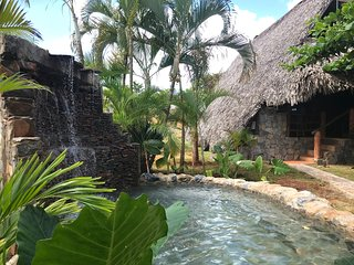 Chalet Tropical #1: Charming Thatched Villa w Pool