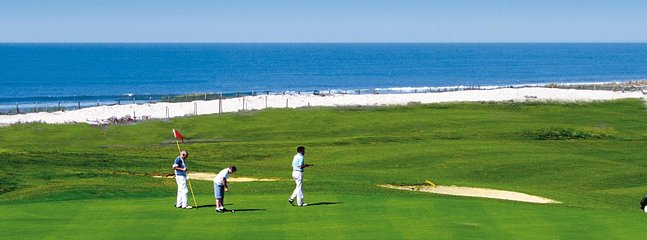 Have some fun on the famous Moliets golf course!