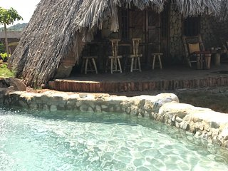 Chalet Tropical #2 : Thatched Sea Shell Villa w Private Pool