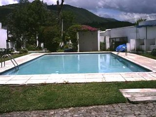 ANTIGUA, BEAUTIFUL AND AFFORDABLE TOWNHOUSE