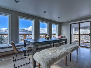 Stylish Home w/Deck, 1 Mi to Steamboat Ski Resort!
