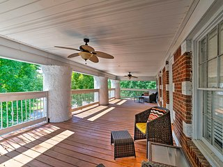Florence Condo w/Balcony & Porch by Downtown!