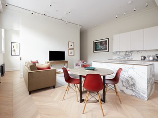 Prestigious 2BR in Covent Garden by Sonder