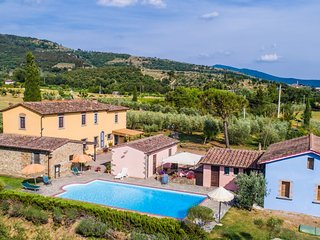 2 bedroom Apartment in Castiglion Fiorentino, Tuscany, Italy : ref 5239663
