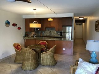 West Maui Perfection! Kitchen, Lanai, WiFi, AC, TVs, DVD+Laundry–Kamaole Sands