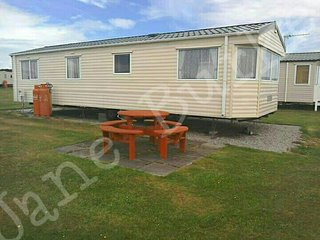 Family friendly caravan Embo