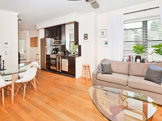 Gorgeous West Village Home - Three Bedroom / Five Beds - Unbeatable Location!