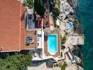 Apartment 2 in Dubrovnik seafront villa with pool and beach for 6 guests