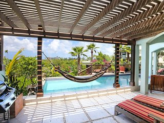 Pelican Nest Villas- sleeps 6