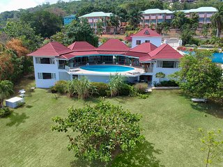 Villa Exodus Retreat incl. pool, 4+2 bedrooms, staff & private beach