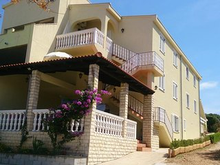 Two bedroom apartment Mandre (Pag) (A-12409-a)