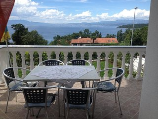Njivice Apartment Sleeps 4 with Air Con and WiFi - 5464168