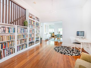 2-Storey North Bondi Family Beach House H446
