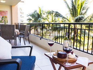 Stunning BEACHFRONT condo! Spacious private balcony, Playa Royale resort. Wifi