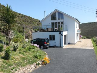Glen View on the North Cornish Coast. Sunny private location with sea views.