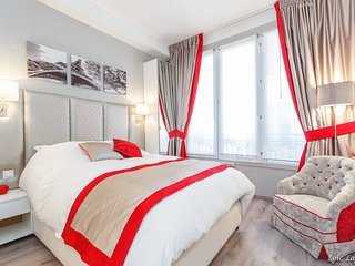 Romantic studio / Champs Elysees